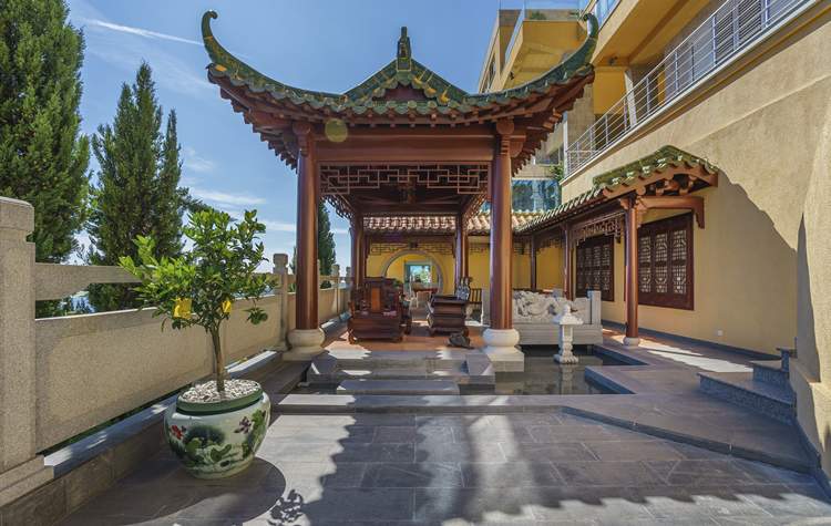 Private Chinese Villa
